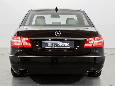 gebraucht Mercedes E300 Hybrid Avantgarde Distronic Glas-SD