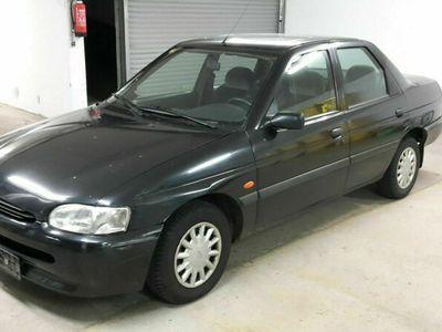 gebraucht Ford Escort 16 V Limousine Bj. 1995 zum Ausschlachten wenig Km