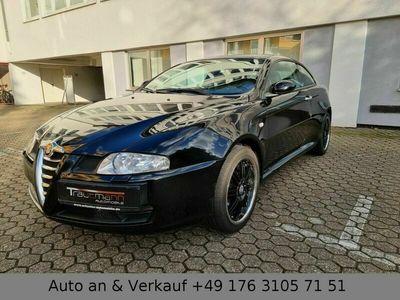 gebraucht Alfa Romeo GT 2.0 16V JTS Selesp Distinctive als Sportwagen/Coupé in Köln