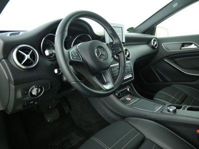 gebraucht Mercedes A180 Urban 7G-DCT LED Navi Parkassi Sitzhzg.