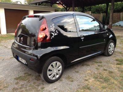 gebraucht Peugeot 107 Sondermodell Envy super gepflegt