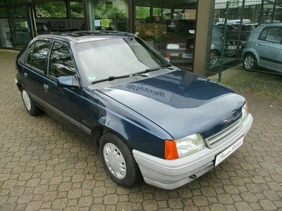 gebraucht Opel Kadett E 1.6i Beauty *1.Hand*HU neu*H-Kennzeichen*SD*AHK*