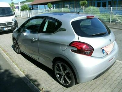 käytetty Peugeot 208 Blue-HDi 120 Stop&Start Allure