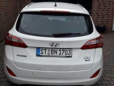 gebraucht Hyundai i30 blue 1.6 CRDi Style
