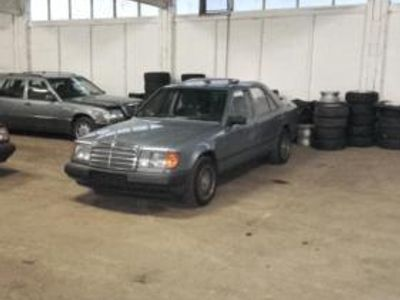 gebraucht Mercedes 200/8 -Sammlung-Hallenauflösung W124er, STRECHLIMO, usw,