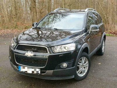 gebraucht Chevrolet Captiva 2.2 4WD 184 PS 7 Sitzer als SUV/Geländewagen/Pickup in Walldürn