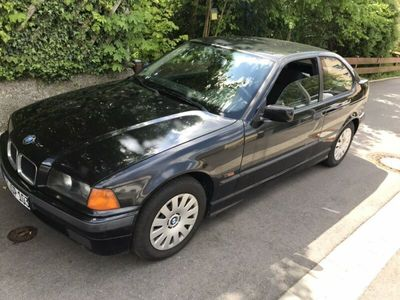 used BMW 318 is