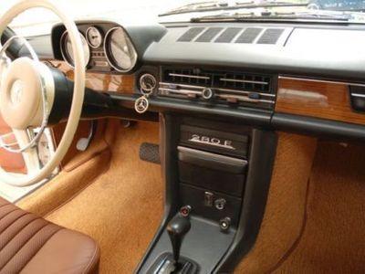 gebraucht Mercedes W114 /8, 280E, restauriert
