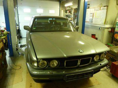 gebraucht BMW 740L i V8 als Limousine in Gaienhofen