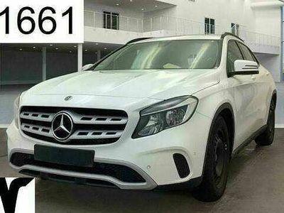 "gebraucht Mercedes GLA200 17"" Navi Akt Park Ass Sitzhz Tempo Klima"