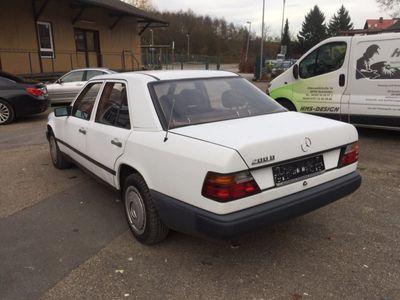 gebraucht Mercedes 200 D ;D KAT