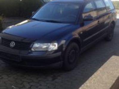 gebraucht VW Passat 1.6 Variant Kombi Schwarz