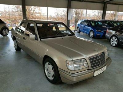 gebraucht Mercedes E200 Sammlerstück, tolle Farbkombination