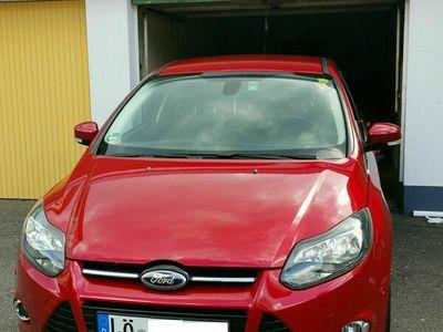 gebraucht Ford Focus 1.6 Titanium 150 PS*KLIMA*NAVI*PDC*SHZ*'14