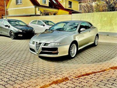 gebraucht Alfa Romeo GT 1.9 JTDM DPF Quadrifoglio Verde Bertone als Sportwagen/Coupé in Haldensleben
