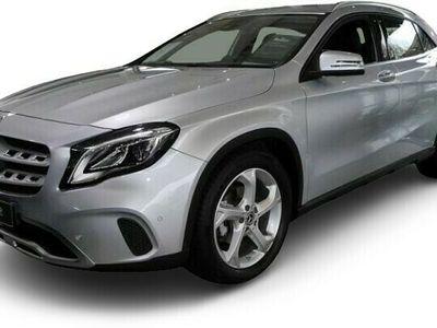 gebraucht Mercedes GLA200 Urban/LED/Keyless/Navi/PDC