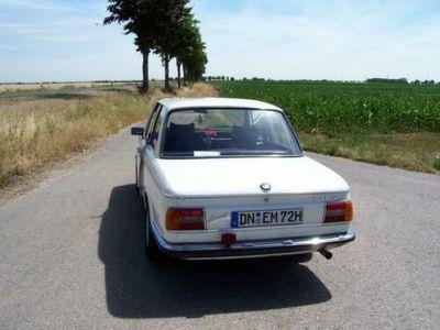 käytetty BMW 2002 Bauj. 1973 mit großen Rückleuchten gut gepflegt .