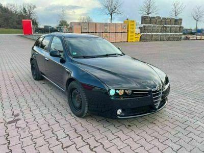 gebraucht Alfa Romeo 159 Sportwagon 2.2 JTS 16V Distinctive Leder als Kombi in Aulendorf