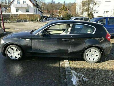 gebraucht BMW 118 Coupé i 2.0L Lim Leder Xenon und Navi/bi... als Sportwagen/ in Warthausen
