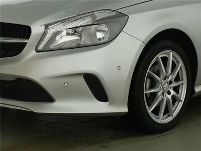 gebraucht Mercedes A180 d Urban Navi+Parkass.+Teilleder+1.Hand+SHZ