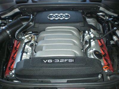 gebraucht Audi A8L 3.2 FSI als Limousine in Markt Schwaben