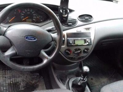 gebraucht Ford Focus Turn. 1.8 TDCi Futura