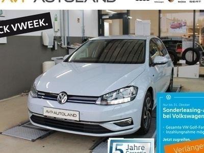 gebraucht VW Golf VII JOIN VII 1.5 TSI BMT | NAVI SHZ schwarz
