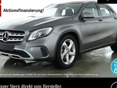 gebraucht Mercedes GLA200 Stdhzg LED Keyl-GO Navi Laderaump PTS Temp