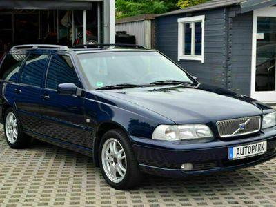 gebraucht Volvo V70 2.4KOMBI RENTNERFAHRZEUG+SCHECKHEFT+SAUBER