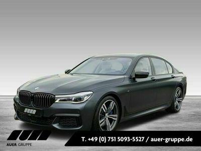 gebraucht BMW M760 xDrive Limousine (Navi B&W Pano Massage)