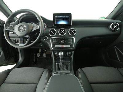 gebraucht Mercedes A180 Park-Assist Style