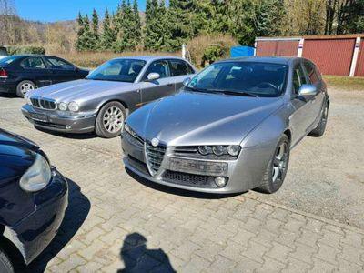 gebraucht Alfa Romeo 159 Sportwagon 2,4 JTDM Distinctive