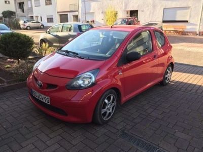 verkauft toyota aygo rot zuverl ssige gebraucht 2006 km in sulzbach saar. Black Bedroom Furniture Sets. Home Design Ideas