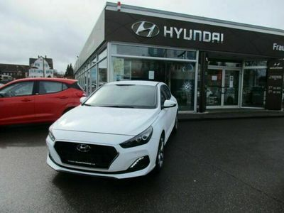 gebraucht Hyundai i30 1.4 T-GDI Premium DCT Fastback