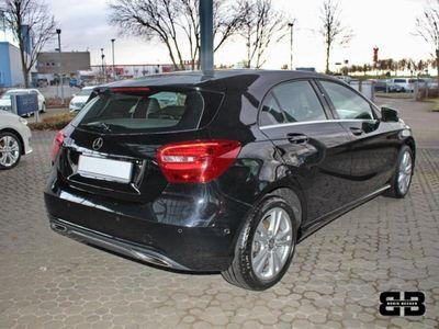 gebraucht Mercedes A180 URBAN NAVI SHZ PARKASSY