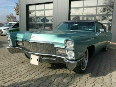 """gebraucht Cadillac Coupé DeVille """"Jahreswagen-Zustand"""""""