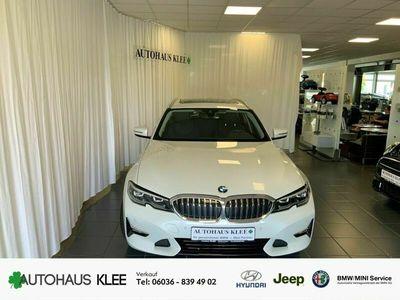 gebraucht BMW 320 i Luxury Line Touring EU6d Park-Assistent Leder LED Keyless Parklenkass. Rückfahrkam.