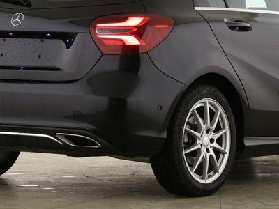 gebraucht Mercedes A180 Urban (7ATG Navi SHZ LED LMR Klima PTS)