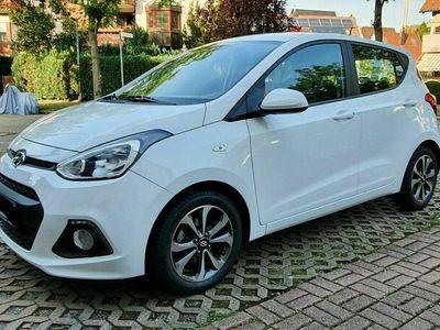 gebraucht Hyundai i10 1.2 YES! Silver