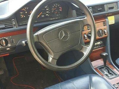 gebraucht Mercedes 230 CEgepflegter youngtimer mercedes mit leder austattun
