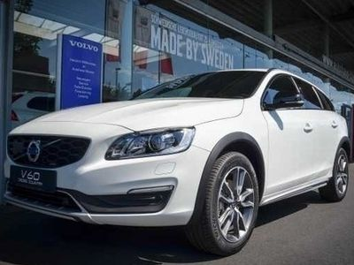 second-hand Volvo V60 CC Cross Country D3 Momentum A/T + Xenon +