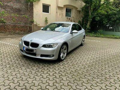 gebraucht BMW 320 i Coupe Aut.