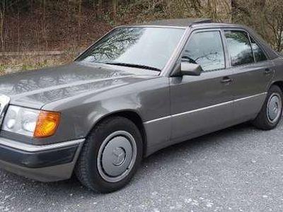 gebraucht Mercedes 250 W124, zweite Hand, kein Rost