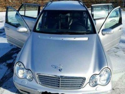 gebraucht Mercedes 240 T-Modell 1.Hand voll MB Scheckheft