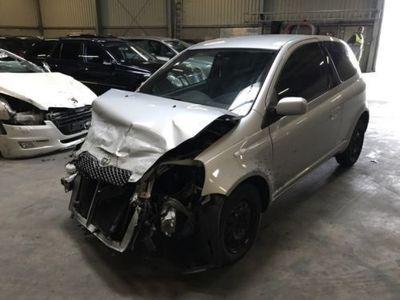 gebraucht Toyota Yaris 1.4 D-4D Unfall