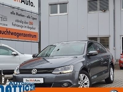 second-hand VW Jetta 2.0 TDI 140 PS LIFE/BUSINESS/PDC/SHZ/CLIMA
