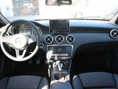 gebraucht Mercedes A180 Limousine Style/Navi/Klima/LED/Sitzhzg.