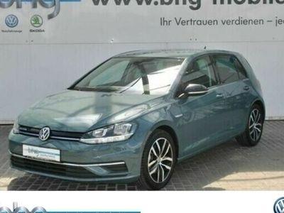 gebraucht VW Golf IQ.DRIVE 1.5 TSI Sitzheizung Navi Parklenkassistent