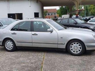 gebraucht Mercedes E200 E-Klasse Lim. (BM 210)