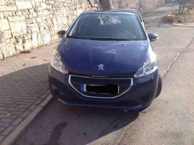 gebraucht Peugeot 208 e-HDi 68 EGS5 Stop&Start Active